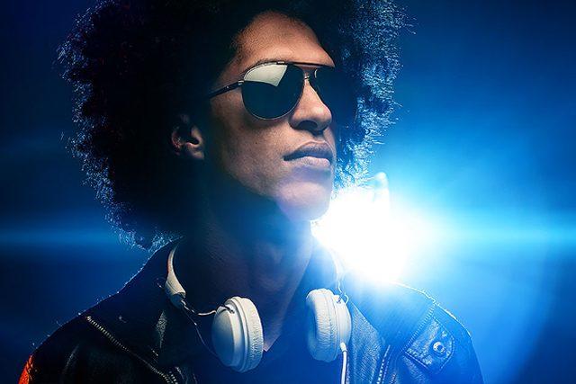 https://music-club.bold-themes.com/main-demo/wp-content/uploads/sites/3/2017/06/inner_fest_event_05-640x427.jpg